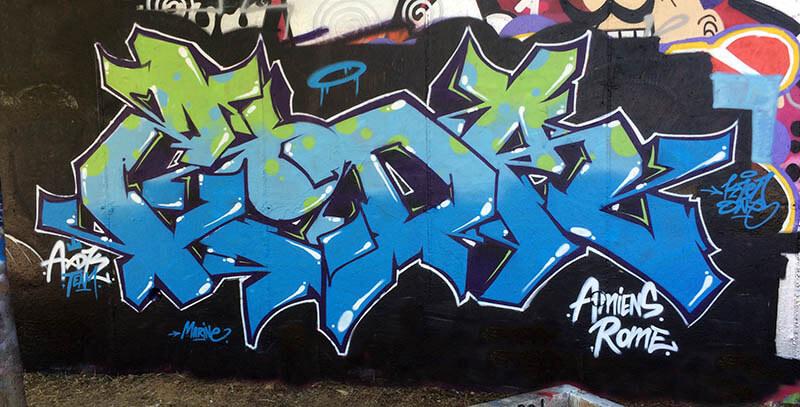 Peinture réalisée à Rome en Italie par Kzed du crew AXDK , graffeur Amiénois