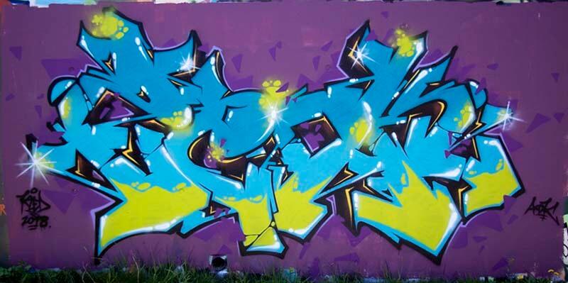 Lettrage Zedk bleu sur un fond Violet réalisé pas Kzed du crew AXDK à Amiens
