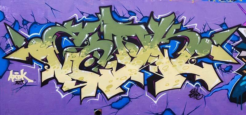 Feat dekon Skare