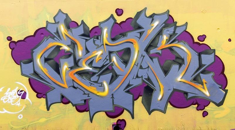 Kzed_Zedk_Amiens_Graffiti_Decoration_Gris_Jaune
