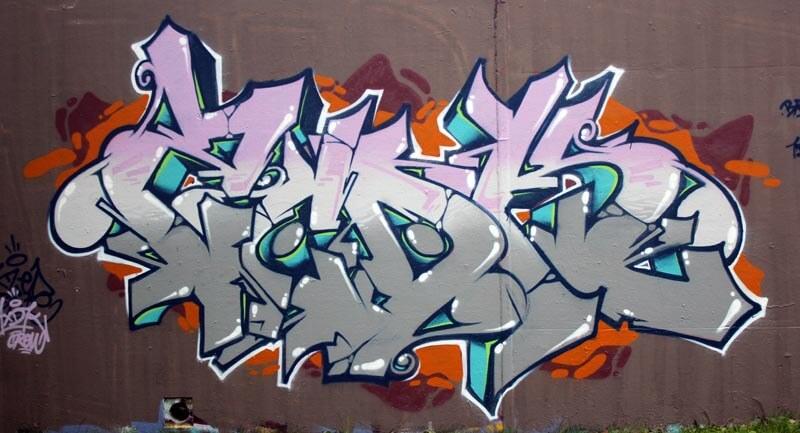 kzed-zedk-axdk-amiens-graffiti-graff-streetart-decoration-tag-gris-rose
