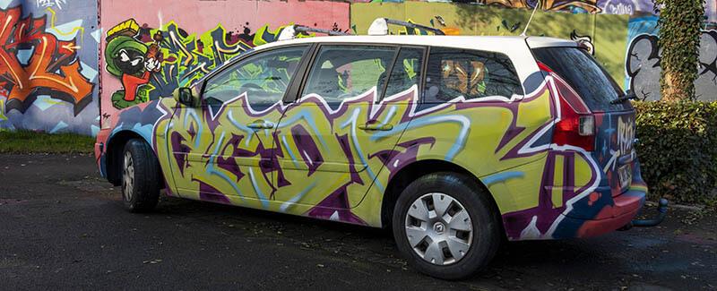 Kzed-amiens-graffiti-decoration-voiture